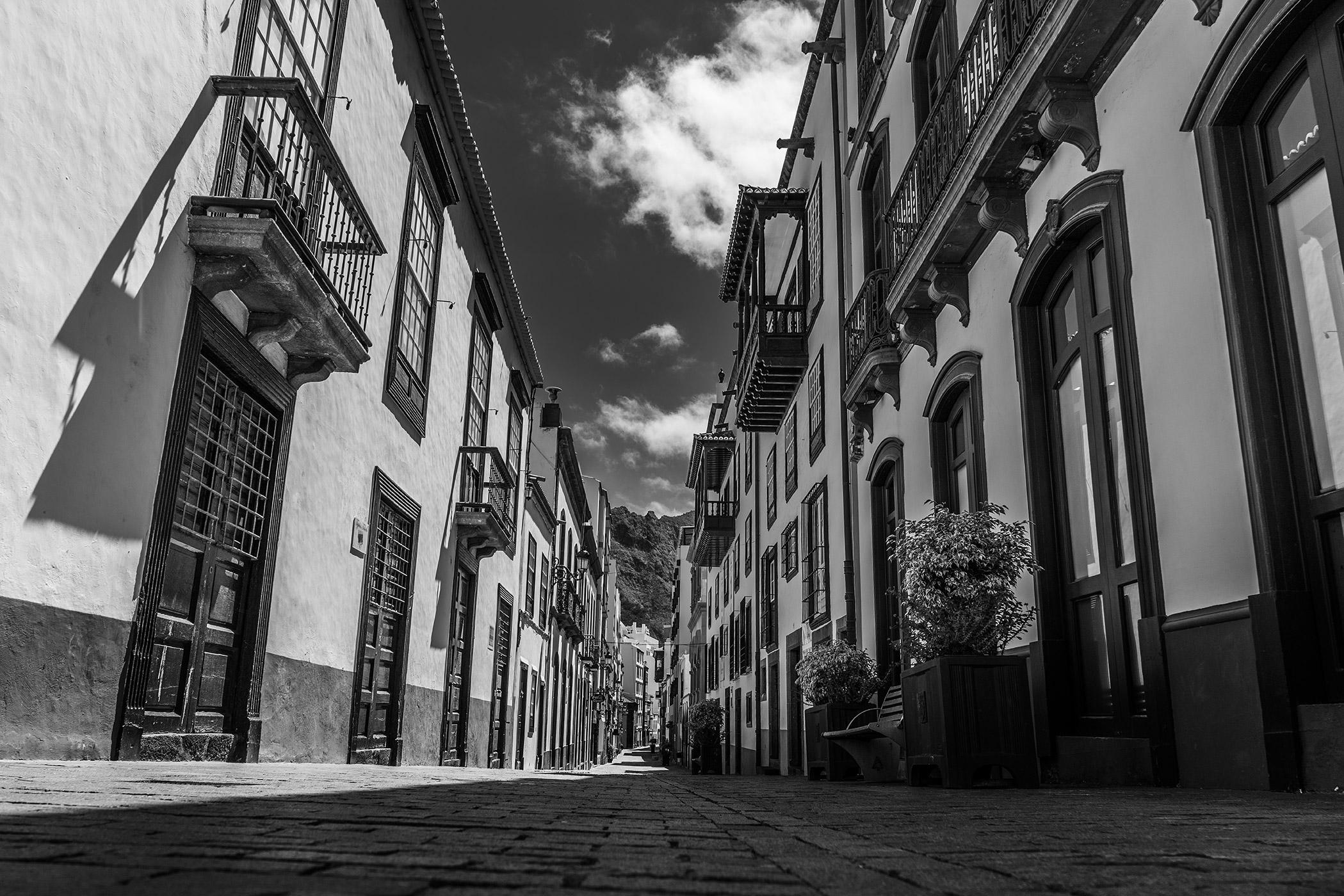 Las calles se vaciaron y reinó el silencio
